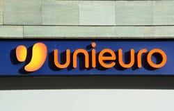 Unieuro logo sklep w Bergamo Unieuro jest wielkim Włoskim kanału dystrybutorem elektronika użytkowa i gospodarstwem domowym ap obraz stock