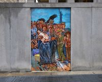 Unificación de las culturas de la vecindad en Philadelphia, del mural de José y de Gabriele Tiberino imagen de archivo libre de regalías