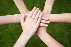 Unificazione delle mani Immagini Stock