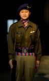 Uniforme indiano fêmea do Nepali da mulher da polícia Imagem de Stock