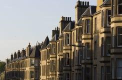 Uniformité des maisons en Grande-Bretagne, Ecosse photographie stock