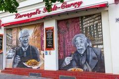 Unik currywurst shoppar i Berlin, Tyskland Arkivfoton