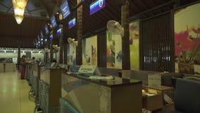 Unik Samui internationell flygplats i för materiellängd i fot räknat för öppen luft videoen stock video