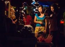 Unik tradition för nytt år i Filippinerna Arkivbild