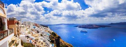 Unika mäktiga Santorini, sikt med vulkan Grekland Arkivbilder