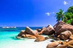 Unikalna granitowa skalista plaża w Praslin wyspie, Seychelles obraz stock