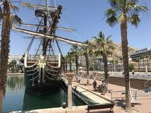 Unikalni miejsca, mydlani bąble, plaża, lato, jachty w porcie Alicante Fotografia Stock
