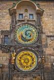 Unikalny zegar na unikalny wierza w Praga Obrazy Royalty Free
