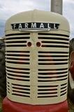 Unikt Farmall återställt traktorgaller Royaltyfri Foto