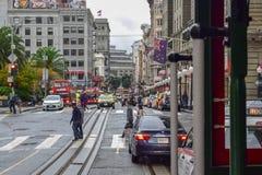 Union Square na Powell ulicie od wagonu kolei linowej w San Francisco, CA obrazy royalty free