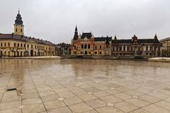 Union square Piata Unirii seen at the rainy day in Oradea, Rom Stock Photography