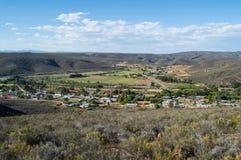 Uniondale com Hilly Backdrop, cabo ocidental, África do Sul fotografia de stock royalty free