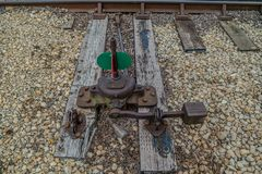 Unione, Illinois/USA - 6/6/2019 vecchio di scambista della pista del treno nell'iarda del treno fotografie stock