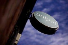 Unipol signent dedans le centre de la ville de Leeds, Yorkshire images libres de droits