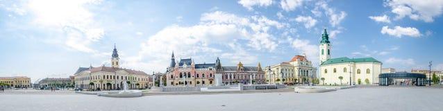 Unirii fyrkant i Oradea royaltyfria foton