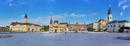 Unirii fyrkant i Oradea panorama fotografering för bildbyråer