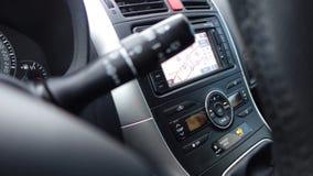 Unità di condizionamento d'aria, leve del sensore della pioggia, mazzi, cruscotto e grande esposizione di navigazione Immagine Stock