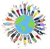 Unità globale C allegra di felicità del cerchio della gente della mappa di mondo immagine stock libera da diritti