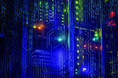 Unité centrale de série dans une représentation futuriste d'un code de matrice avec la composition du grunge de technologie de l' photographie stock