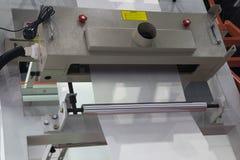 Unité d'enroulement de machine de soufflement de feuille de plastique d'extrusion photographie stock libre de droits