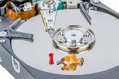 Unité de disque dur d'ordinateur de nettoyage Photo stock