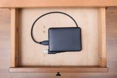 Unité de disque dur d'ordinateur externe dans le tiroir ouvert Images stock