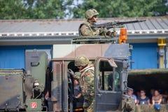 unité de tracteur de SLT 50 Elefant et transporteur de réservoir résistants allemands à la journée 'portes ouvertes' dans le burg Photographie stock