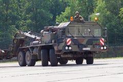 Unité de tracteur de SLT 50 Elefant et transporteur de réservoir résistants allemands Images libres de droits