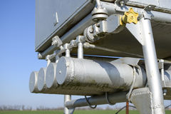 Unité et récipient de dosage avec du méthanol Matériel supplémentaire pour des puits de pétrole et de gaz photographie stock libre de droits