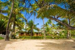 Unités d'hôtel à la plage d'amitié, Bequia Images libres de droits