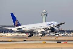 United Airlines Боинг приезжает в Чикаго Стоковые Изображения RF