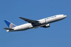 United Airlines Боинг 777-200 Стоковое Изображение