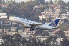 United Airlines Airbus A319-131 N830UA San de départ Diego International Airport Images libres de droits