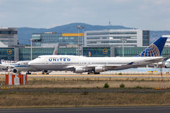 United Airlines Boeing 747-422 Immagini Stock Libere da Diritti