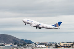 United Airlines Boeing 747 airplane stock photos