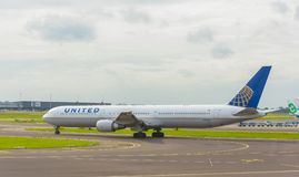 United Airlines Boeing 767. AMSTERDAM, NETHERLANDS - OCTOBER 1, 2017: United Airlines Boeing 767-424 N76065 takes off from Amsterdam Airport Schiphol Stock Photos