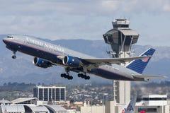 United Airlines Boeing 777 flygplan Fotografering för Bildbyråer