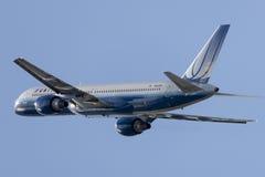 United Airlines Boeing 757 flygplan som tar av från Los Angeles den internationella flygplatsen Arkivfoton