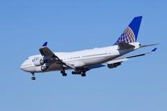 United Airlines N174UA, Boeing 737-400 que aterram no Pequim, China Imagem de Stock Royalty Free