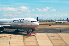 United Airlines plane on tarmac Stock Photography