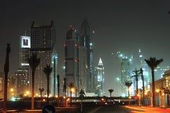 United Arab Emirates: Skyline de Dubai na noite Fotos de Stock Royalty Free