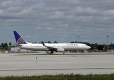 United passenger jet side view Royalty Free Stock Image