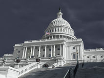 United States Capitol som bygger stormigt väder Royaltyfri Foto