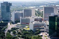 Uniteden Nations som bygger i Wien Österrike från över arkivfoton