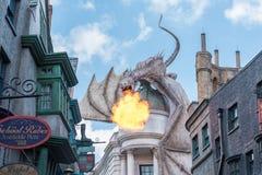 Universal Studios-Drache auf Gringotts-Bank stockfoto