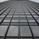 Universeel Grey Uniform Grid Skyscraper Stock Fotografie