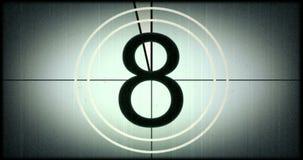Universell filmledare, symbol som räknar ner från 8, med skärmen för chromatangentgräsplan på finalen, tappningstil stock video