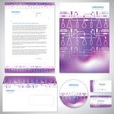 Universell purpurfärgad mall för företags identitet. Royaltyfri Foto