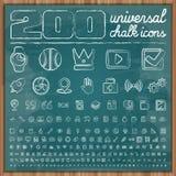 200 universella symboler i uppsättning 2 för kritaklotterstil Arkivfoton