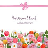 Universellt kort med rosor, tulpan och kamomillar Arkivbild